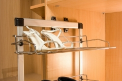 closet-madera-zapatera-herraje-scaled