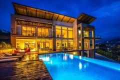 piscina-iluminacion-azul-calido