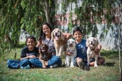 retrato-familia-parque-mascotas-perro