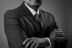 retrato-hombre-ejecutivo-corporativo-scaled
