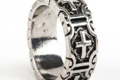 anillo-plata-grabado-cruz